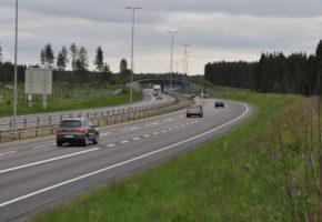 Elgens bruk av faunapassasjer og barrierevirkninger av veg og jernbane på Øvre Romerike